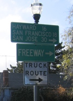 Traffic_Truck Route Signage_Use_144x200.JPG