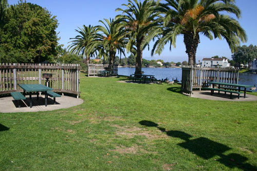 parkside-aquatic-park_picnic-area.jpg